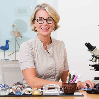 Frau Dr. Schuchter hat langjährige Erfahrung als Oberärztin auf dem Fachgebiet Gynäkologie und Geburtshilfe im Donauspital Wien (SMZ Ost) sowie insbesondere in der Pränatalmedizin